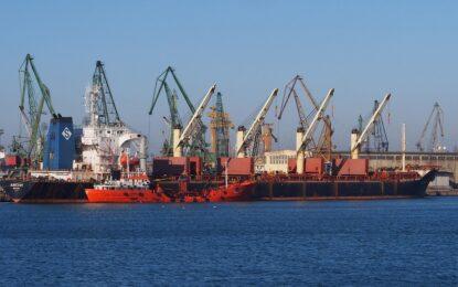 "6 кораба на ""Южен поток"" стоят на рейд пред Варна"