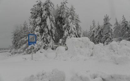 В 8 общини остава бедствено положение, 615 селища без ток