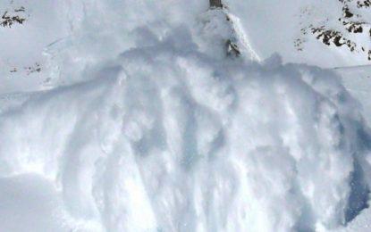 Сноубордист оцеля в огромна лавина на Пирин