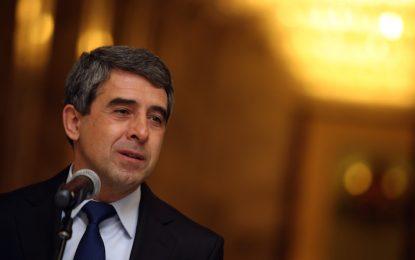 Президентът призова българите в чужбина да гласуват на референдума