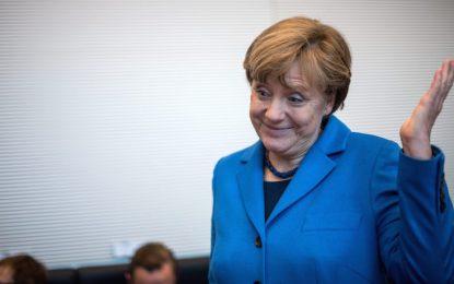 Меркел остава твърда за санкциите срещу Русия
