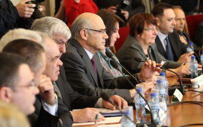 Пълна прозрачност в енергийния регулатор обеща Иван Иванов