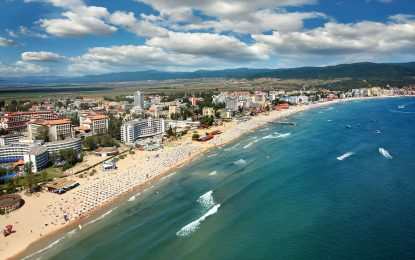 Реформатор пита гонят ли туристи медузите в Черно море