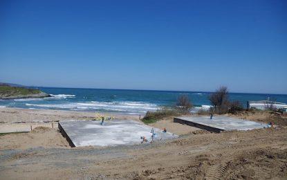 """Бетонират дюните на къмпинг """"Юг"""" в залива Корал"""