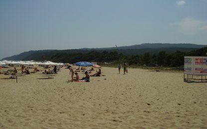 Община Несебър обеща да не пуска багери до плажа
