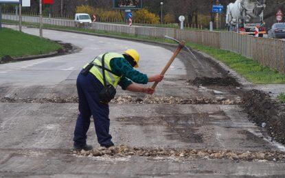Борисов си направи пиар с нови 32 милиона за пътища