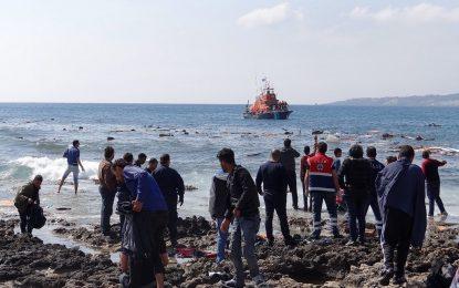 Нова лодка с мигранти се разби край Родос