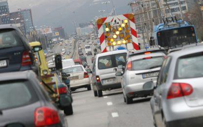 Менда Стоянова препоръча по-скъпо паркиране за по-малко коли в София