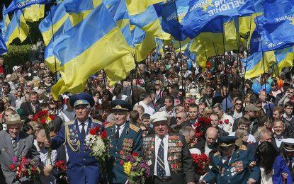 25 лидери на 9 май в Москва, Киев пази тържествата с полиция