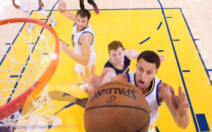 """НБА плейофи: Стеф Къри приземи """"Пеликанс"""""""