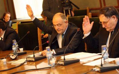 Прокуратурата отново да спира сделки, гласува правната комисия
