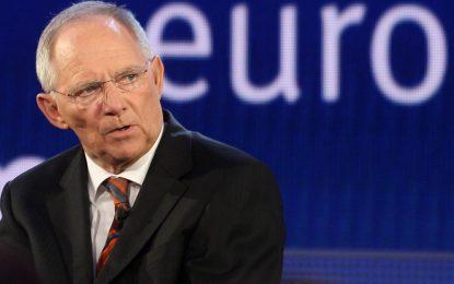 Берлин одобри третото спасение за Гърция