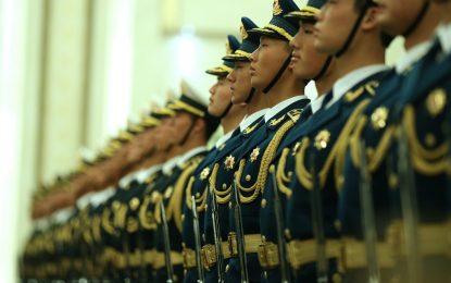 Китай забрани умните джаджи в армията