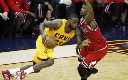 """НБА плейофи: С 38 точки ЛеБрон попиля защитата на """"Булс"""""""