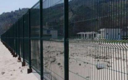 Нова ограда се строи на плажа в Кранево