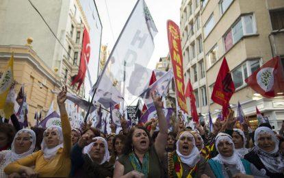 Турски опозиционер прострелян в предизборна кампания