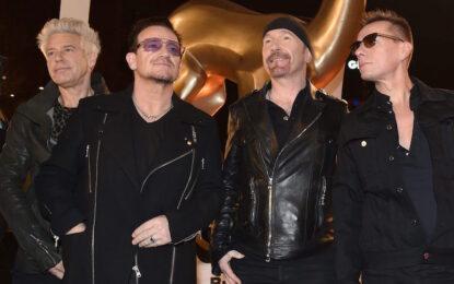 U2 изненадаха Ню Йорк с лайв в метрото