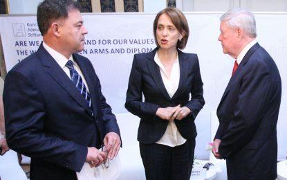 Кабинетът предлага Надежда Нейнски за посланик в Турция