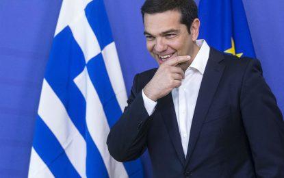 Гърция поиска пари за още 2 години