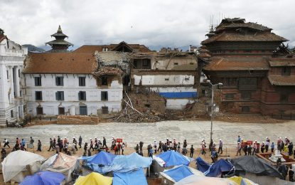 Индия отделя $1 млрд. за пострадалите от земетресението в Непал