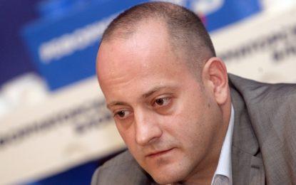 Слоганът на ГЕРБ без кандидат е малоумие, заяви Радан Кънев
