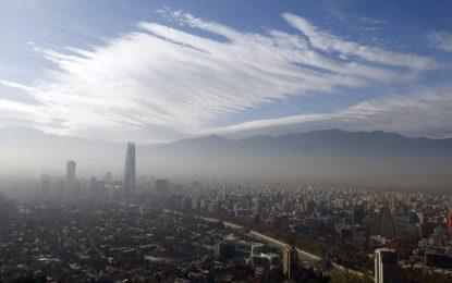 Чили спря 900 предприятия и близо милион коли заради мръсен въздух