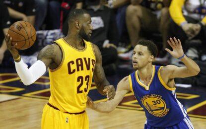 """НБА плейофи: Игудала и Къри върнаха надеждите на """"Уориърс"""" за титла"""