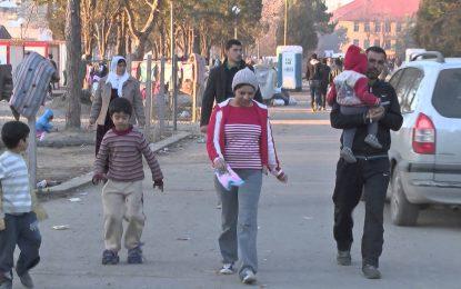 Под 1000 бежанци искат да останат в България