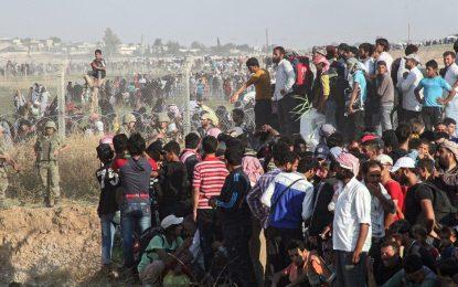 Милиони афганистанци се връщат в горящия си дом