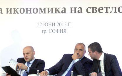 Властта пак чака оставката на Искров – тия дни