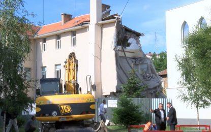 Рухналата гимназия в Казанлък е без строителни книжа