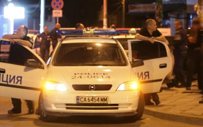 """25 души са арестувани при полицейската акция в """"Орландовци"""""""