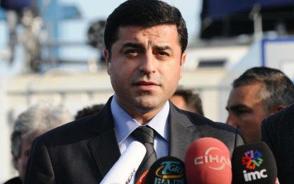 Москва си говори с турските кюрди, вместо с Ердоган