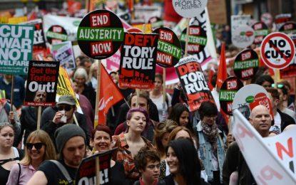Хиляди британци протестират срещу мерки за икономии
