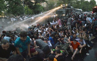 Руската рецесия изкара арменците на улицата