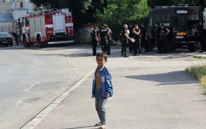 """Полицаи и камери влизат в """"Орландовци"""""""