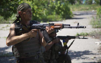 Нови сражения прегазиха примирието в Донбас