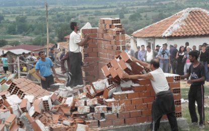 Изселените от Гърмен роми нежелани и в новия си дом