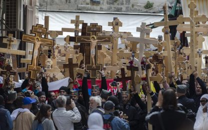 Строителството на 33-метров кръст разбуни Сърбия