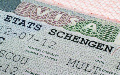 ЕС може да наложи визи за граждани на САЩ и Канада