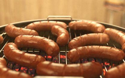 Четирима задържани заради заразеното с антракс месо