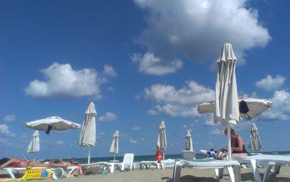 Ангелкова иска безплатни чадъри и шезлонги от догодина