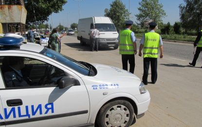 Арестуваха двама полицаи за рекет в Перник