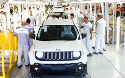 Fiat Chrysler изтегля 1.4 млн. коли заради хакери