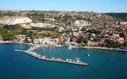 Строеж блокира пътя към Централния плаж в Балчик