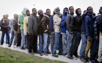 Мигранти обсадиха Ламанша, британци искат компенсации
