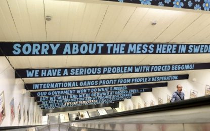 Шведите кипнаха заради надписи срещу просяците в метрото