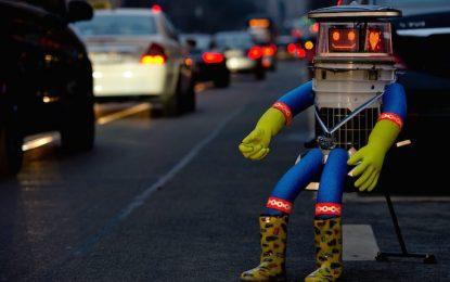 Робот-стопаджия остана без глава във Филаделфия
