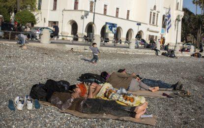 Хаос с бежанците на острови в Гърция