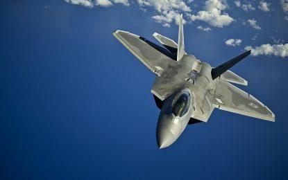 САЩ пращат изтребители F-22 Раптор в Източна Европа